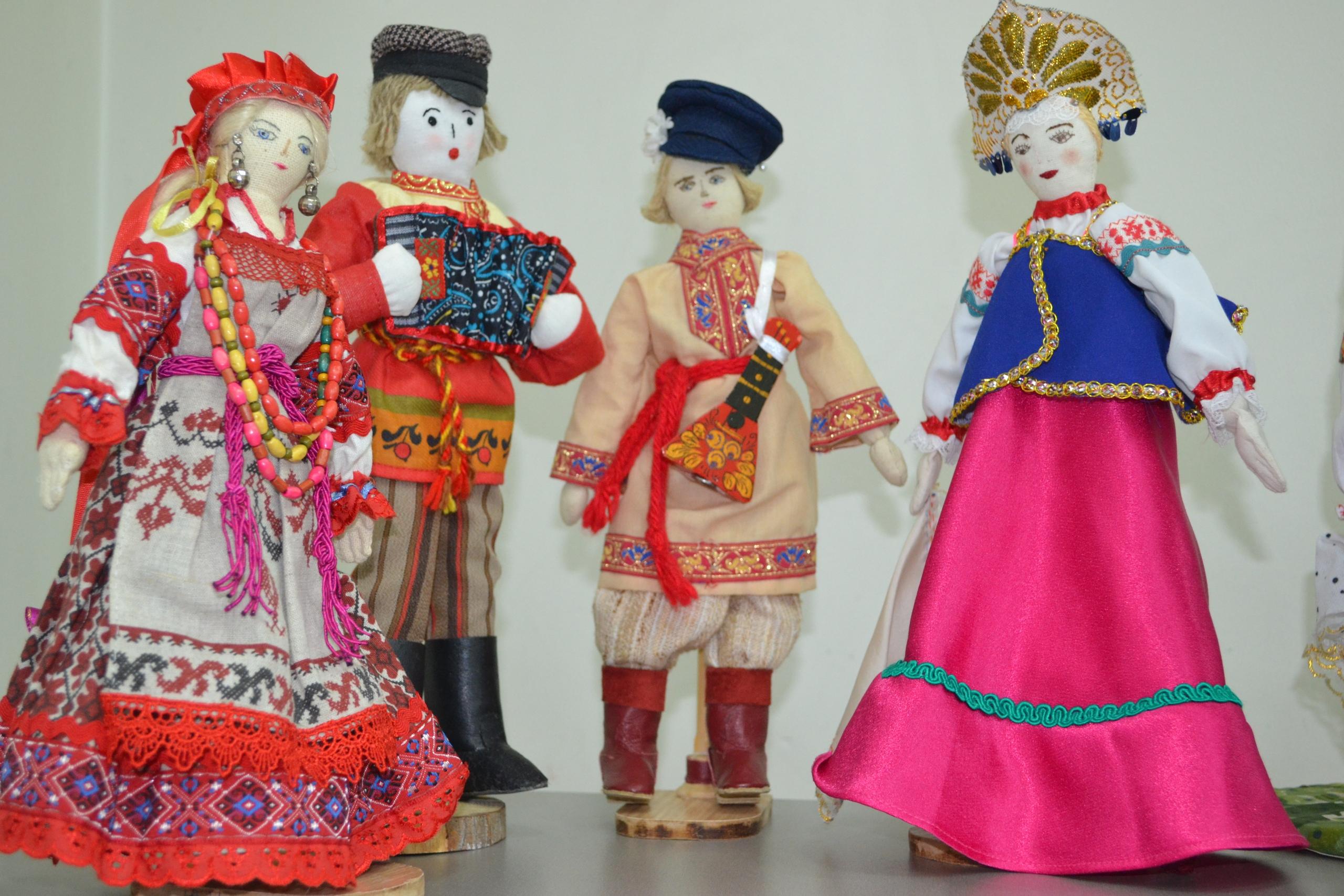 мероприятие Выставка текстильной куклы «Венок дружбы» курган афиша расписание