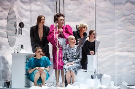 мероприятие Спектакль Восемь любящих женщин курган афиша расписание